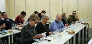 Torben Tvedebrink, Anna Marie Fisker og Hardy Jensen deltager i smagsworkshop omkring oste